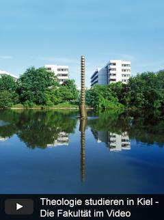 Fakultätenblöcke in der Leibnizstraße im Sommer