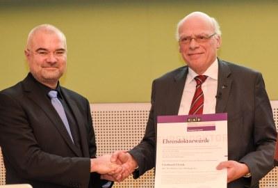 Ehrenpromotion Landesbischof Ulrich