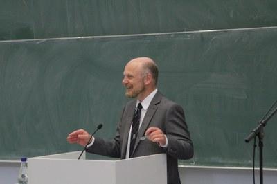 Prof. Dr. Müller, Dekan